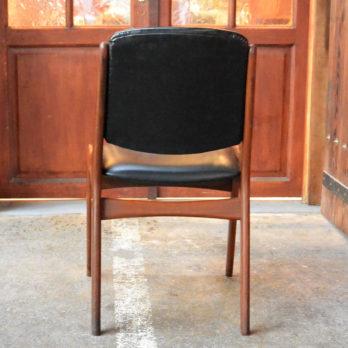 Série de 6 chaises en teck et simili cuir