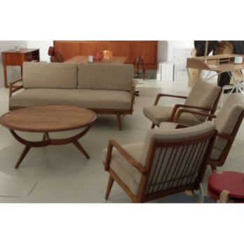 Salon composé d'un canapé et de 3 fauteuils