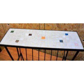 Petite table porte-journaux (B)
