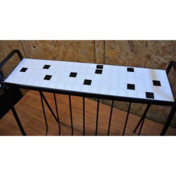 Petite table porte-journaux (A)
