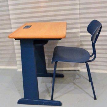 Petit bureau bois/bleu et sa chaise